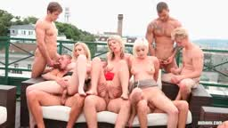 Steaming bisexual orgy